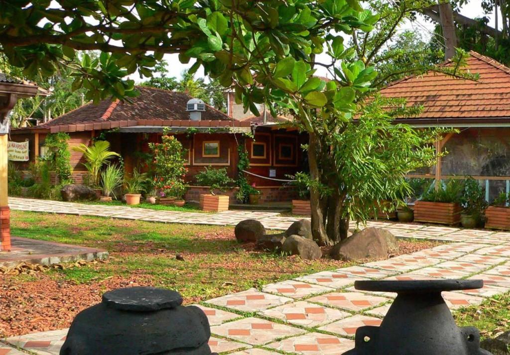 Village de la poterie des Trois Ilets